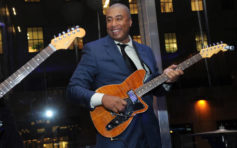 A second life: Yankees' Bernie Williams finds musical success after baseball