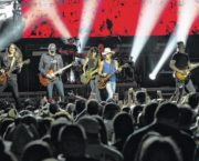 Record-setting Chesney performance a hit